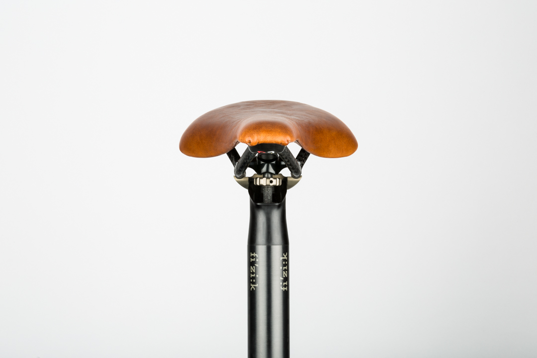 saddle-recovering-fizik-antares-front-view