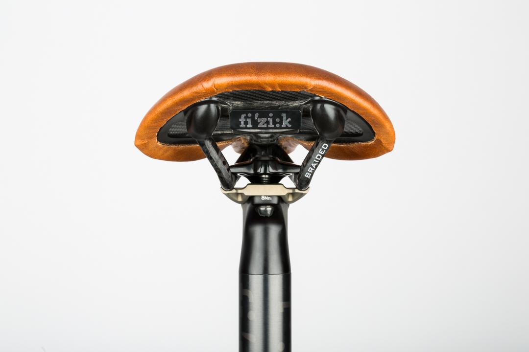 saddle-recovering-fizik-antares-rear-view