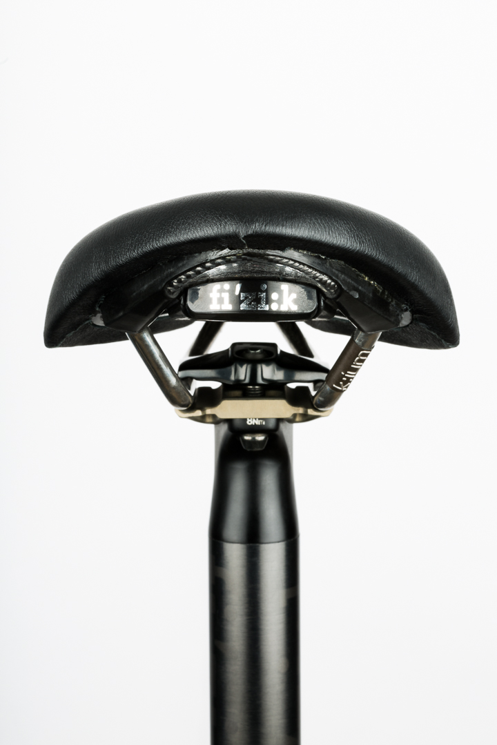 saddle-recovering-fizik-arione-tri-rear-view