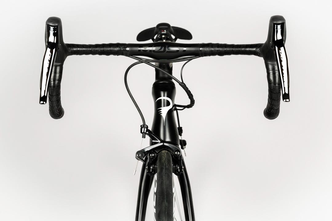 Classic Pinarello hourglass figure or aero profile?