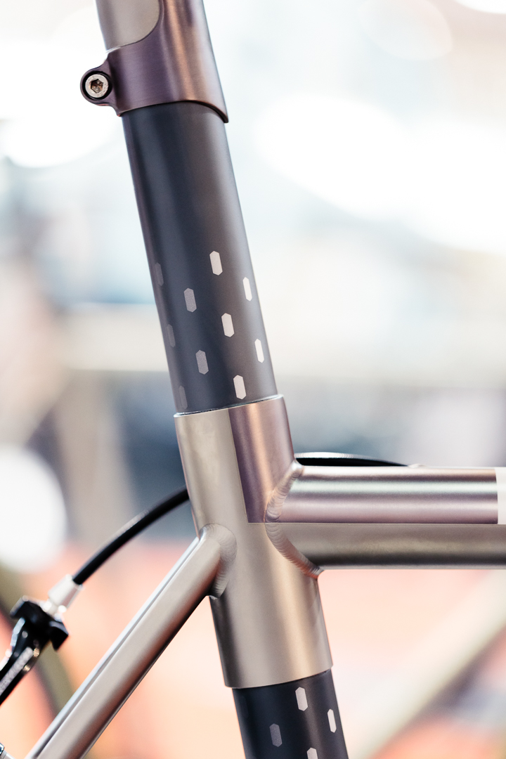 The polka dot print on the No. 22 NAHBS Reactor playfully extend the shield shape of their head badge.