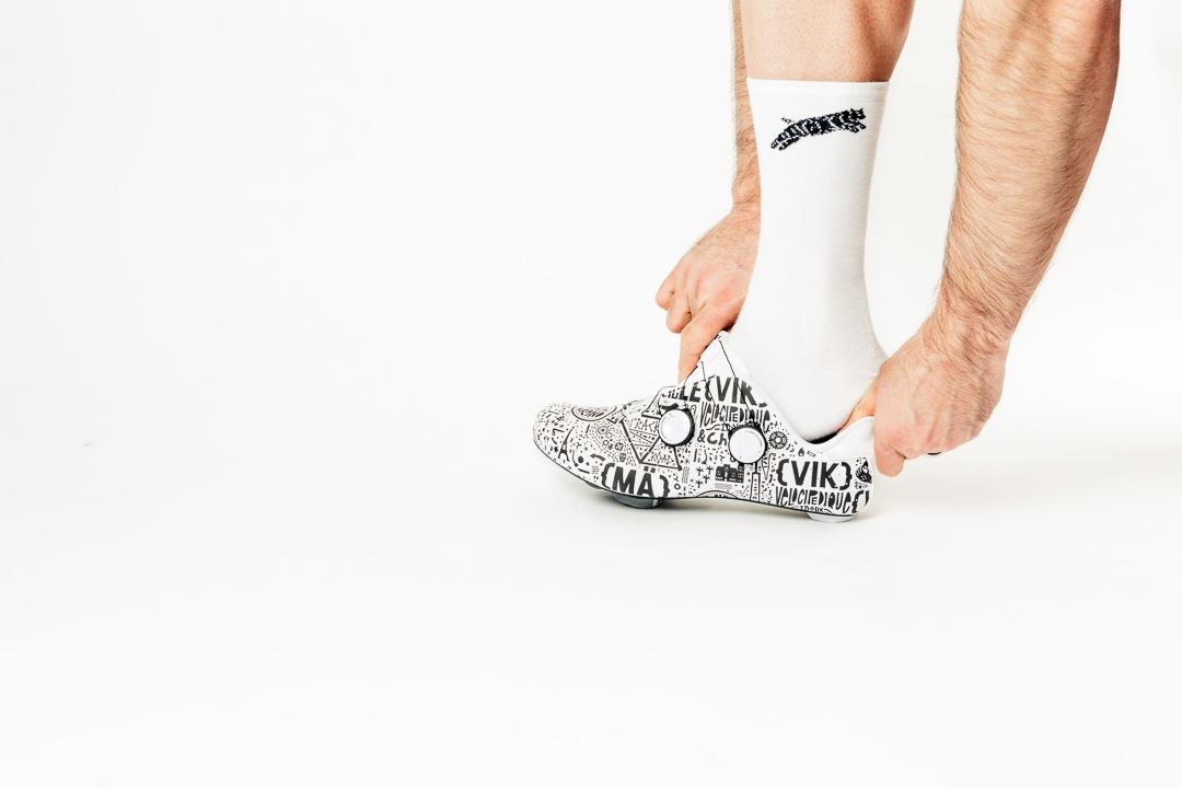 Sock combo 100 with the Team Dream Supreme Socks and the Mavic Cosmic Pro LTD - Paris Nice