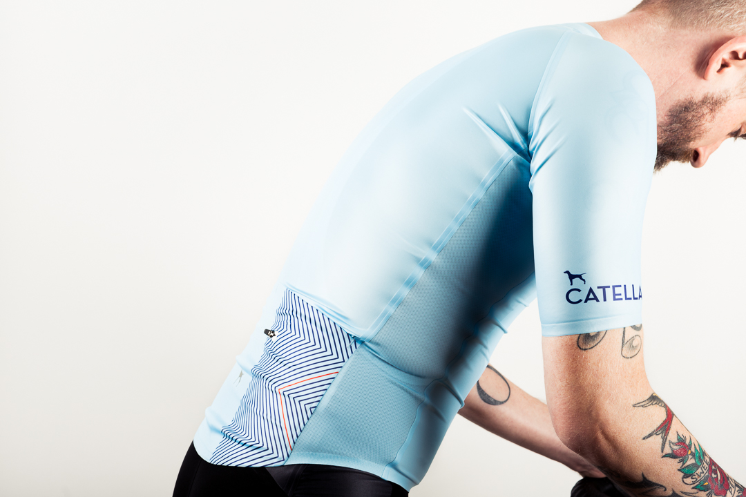 The subtle graphics and designs of the Catella GMR seamless jersey and bibs are applied using a sublimation process.