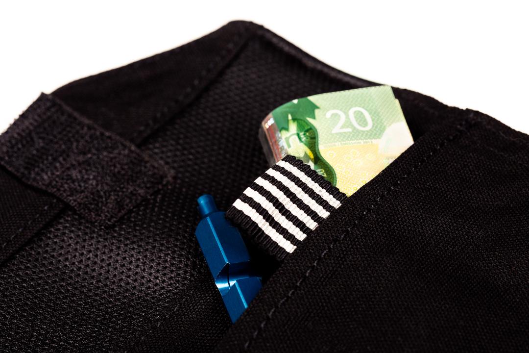 LIFE-Velocolour-dynamiteroll-valuables-pocket