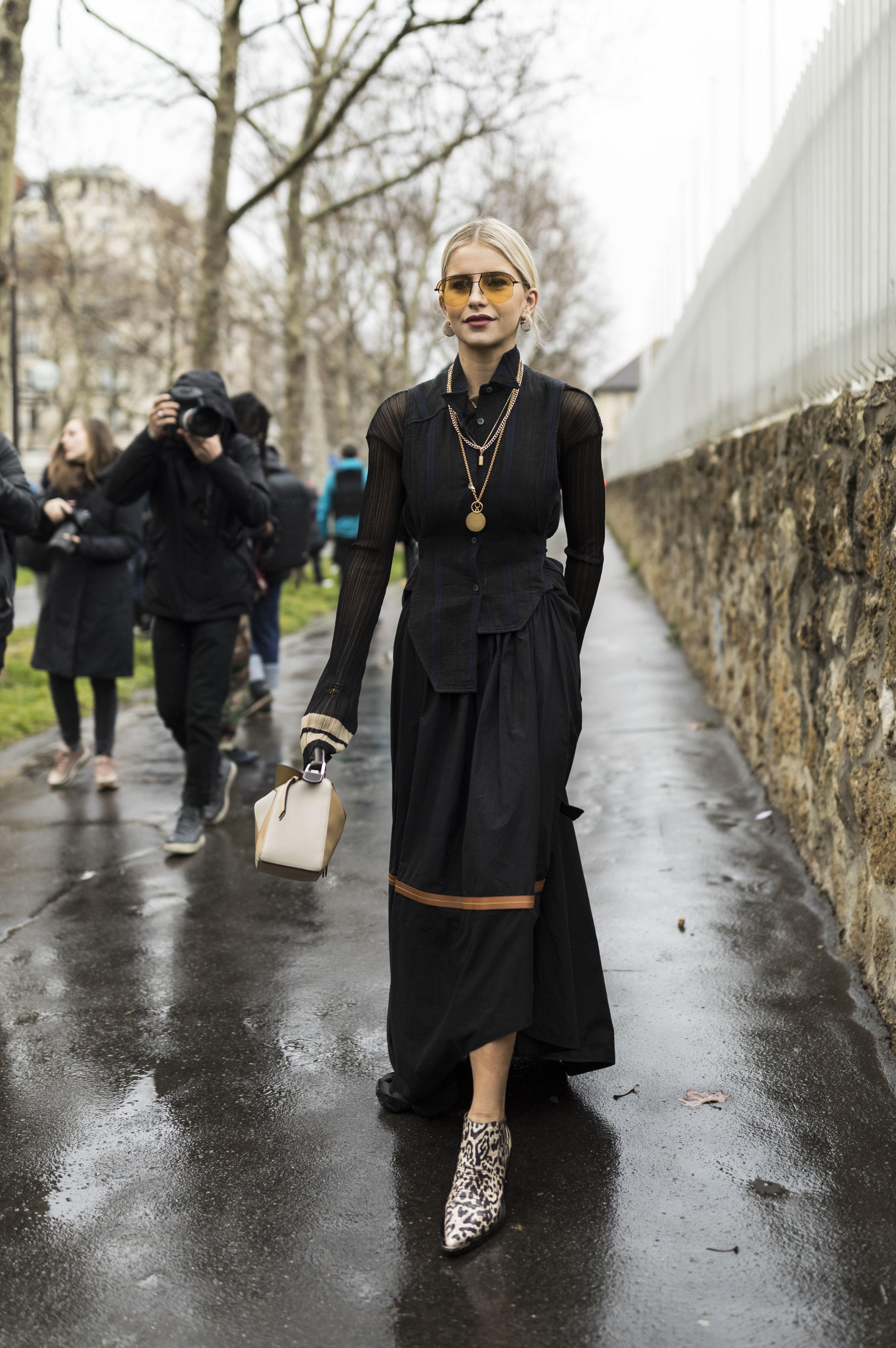PFW, Paris, Street Style, Loewe, Caro Daur, Ashley Gallerani Photography