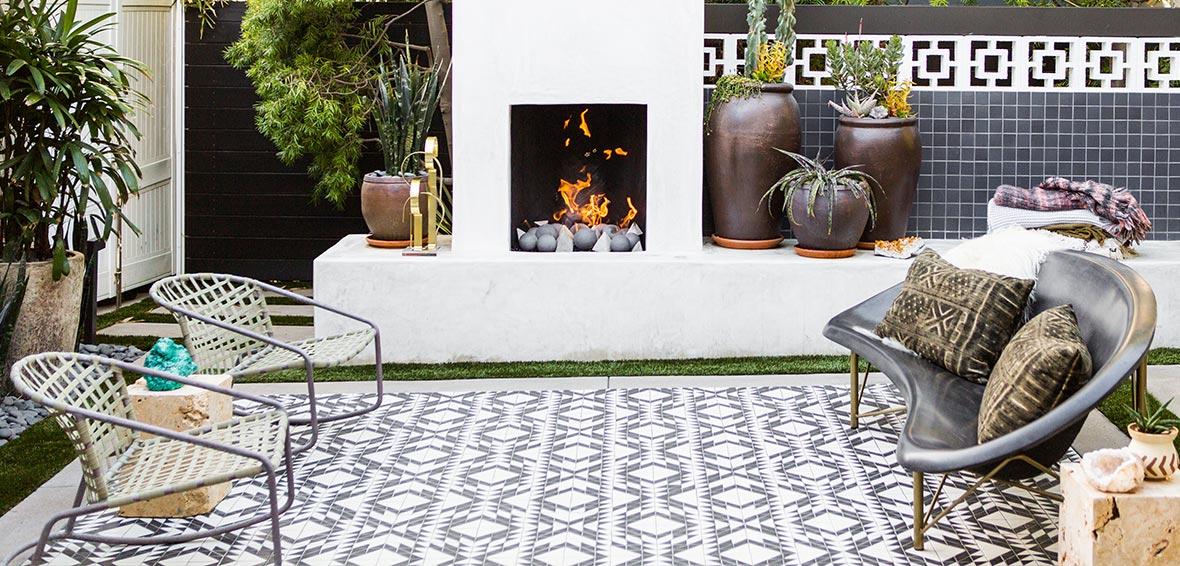 Galanter-Jones-Backyard-Heated-Furniture-Helios-Fireplace.jpg