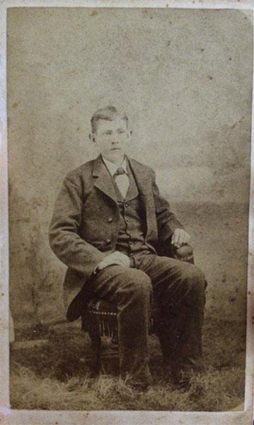 1881-robert-huebotter.jpg