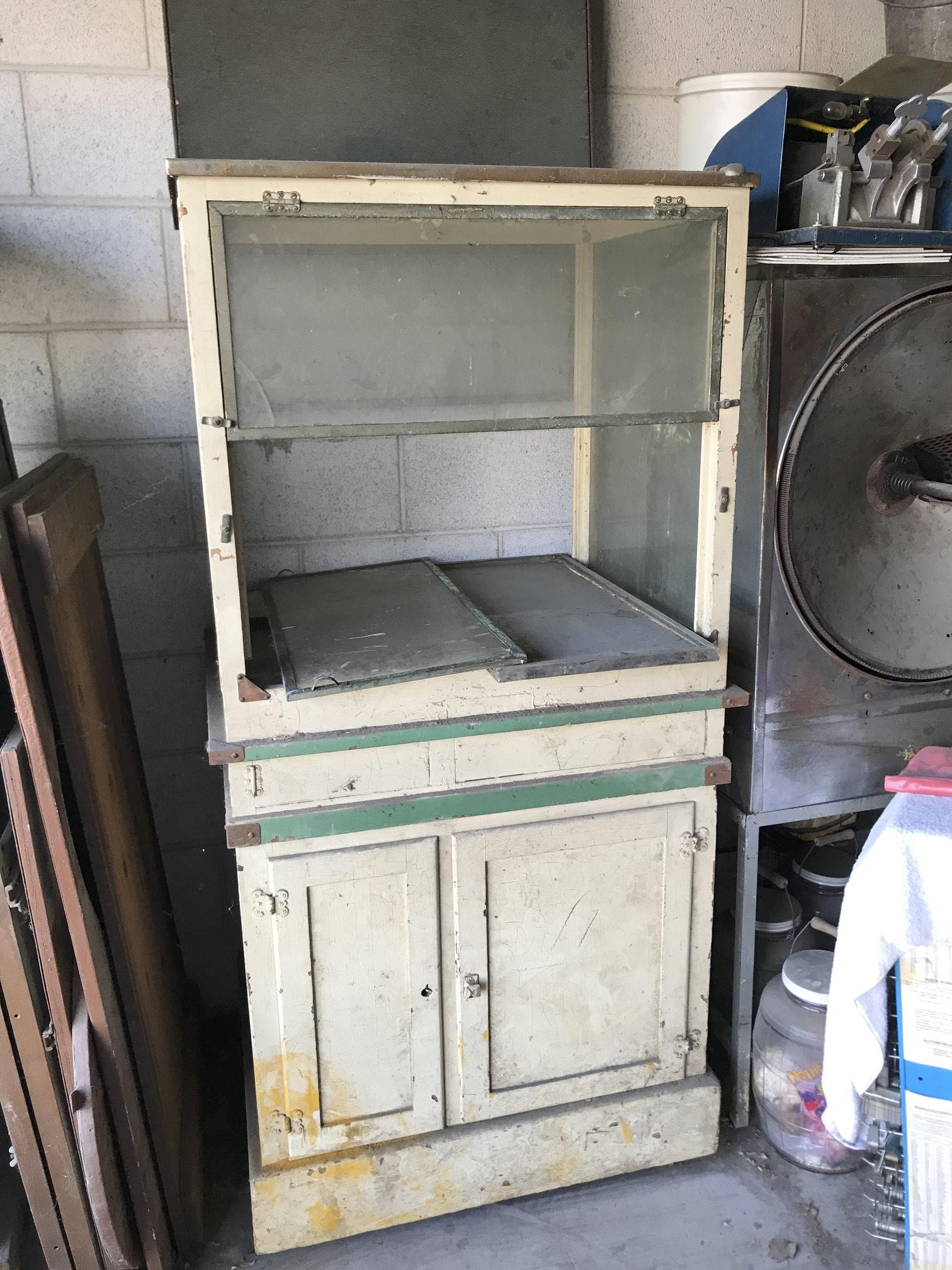 (2) Popcorn Stand