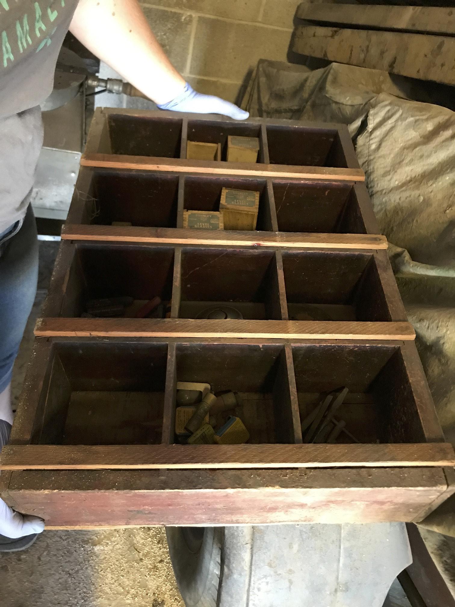 (24) workbench shelf