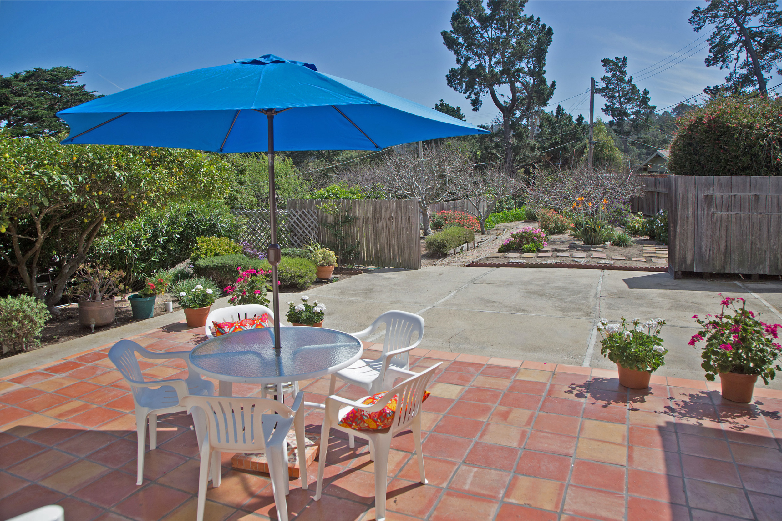 1-Tile patio that looks out at the lovely gardens.jpg