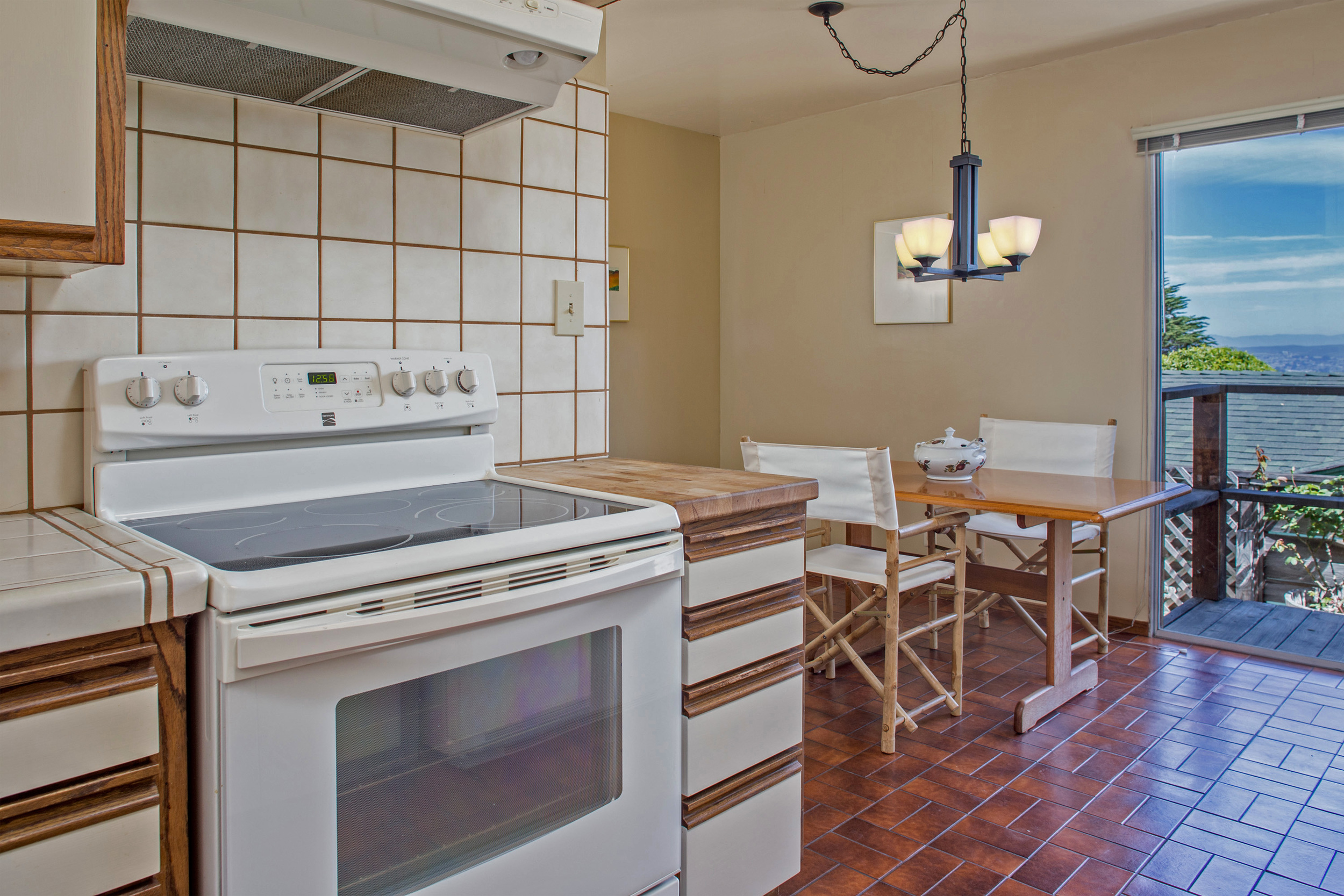 7-kitchen with eating area.jpg