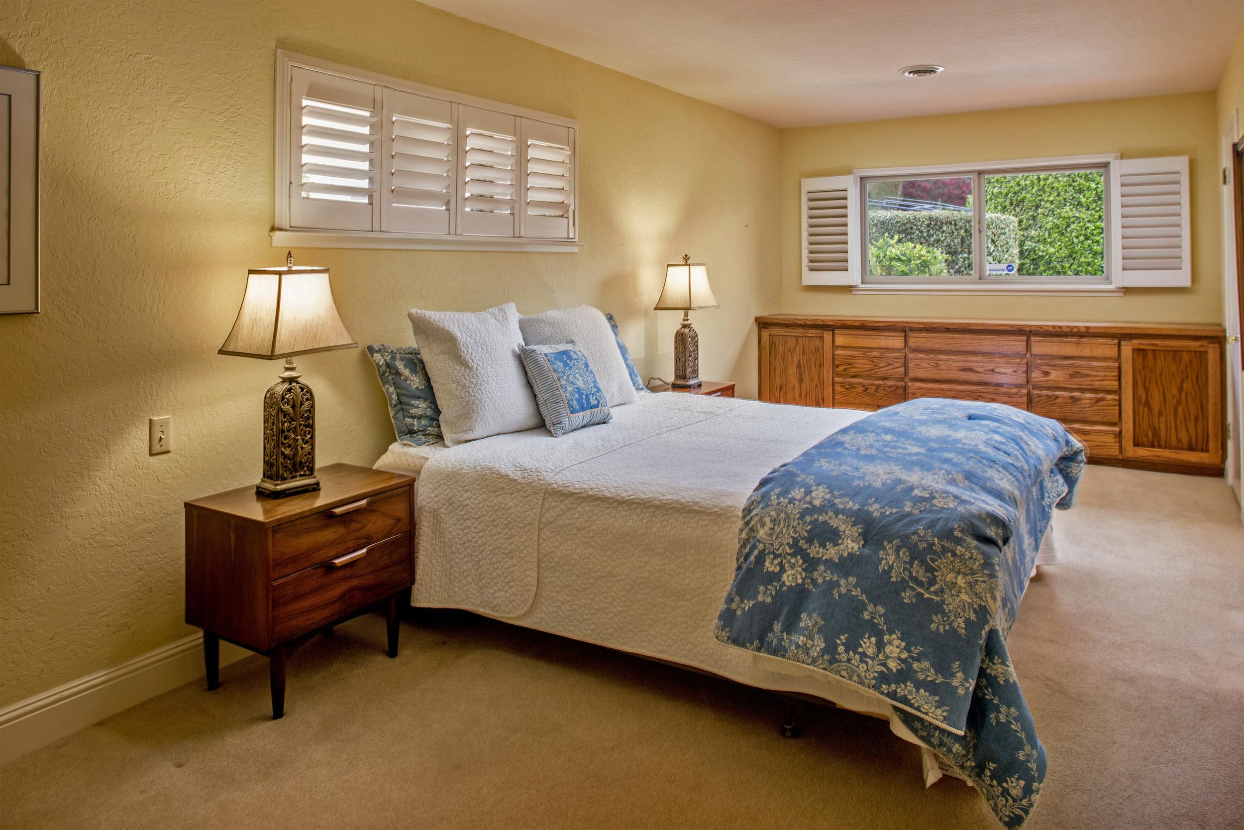 9-Large comfortable master bedroom.jpg