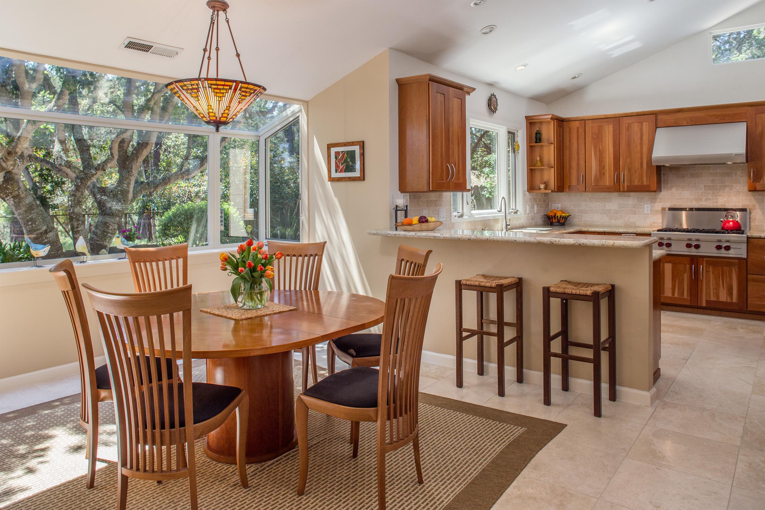 8 dining kitchen 1.jpg