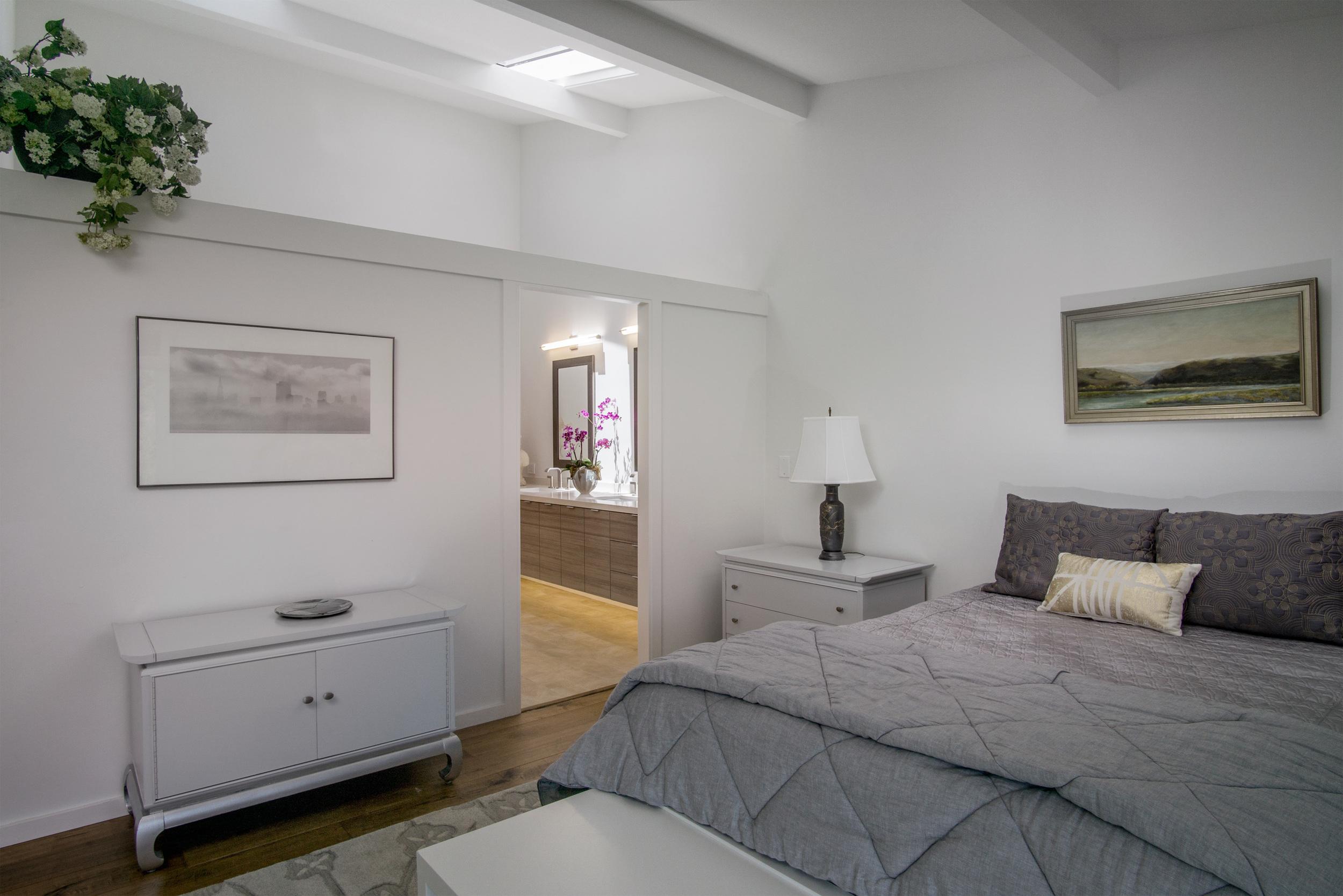 16 master bedroom 2.jpg