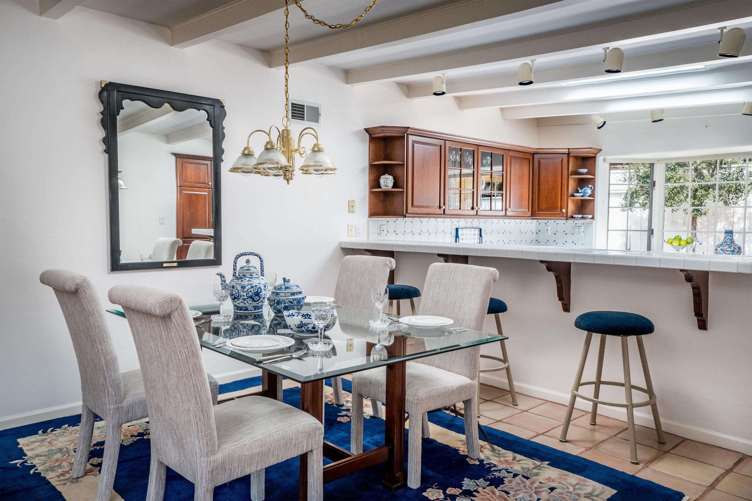 3 dining kitchen.jpg