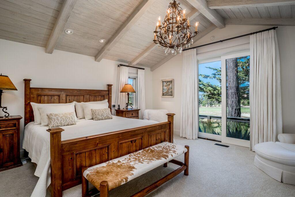 13Master Bedroom.jpeg