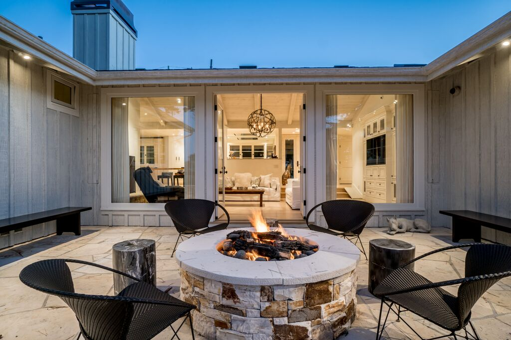 25Fire Pit to Great Room.jpeg