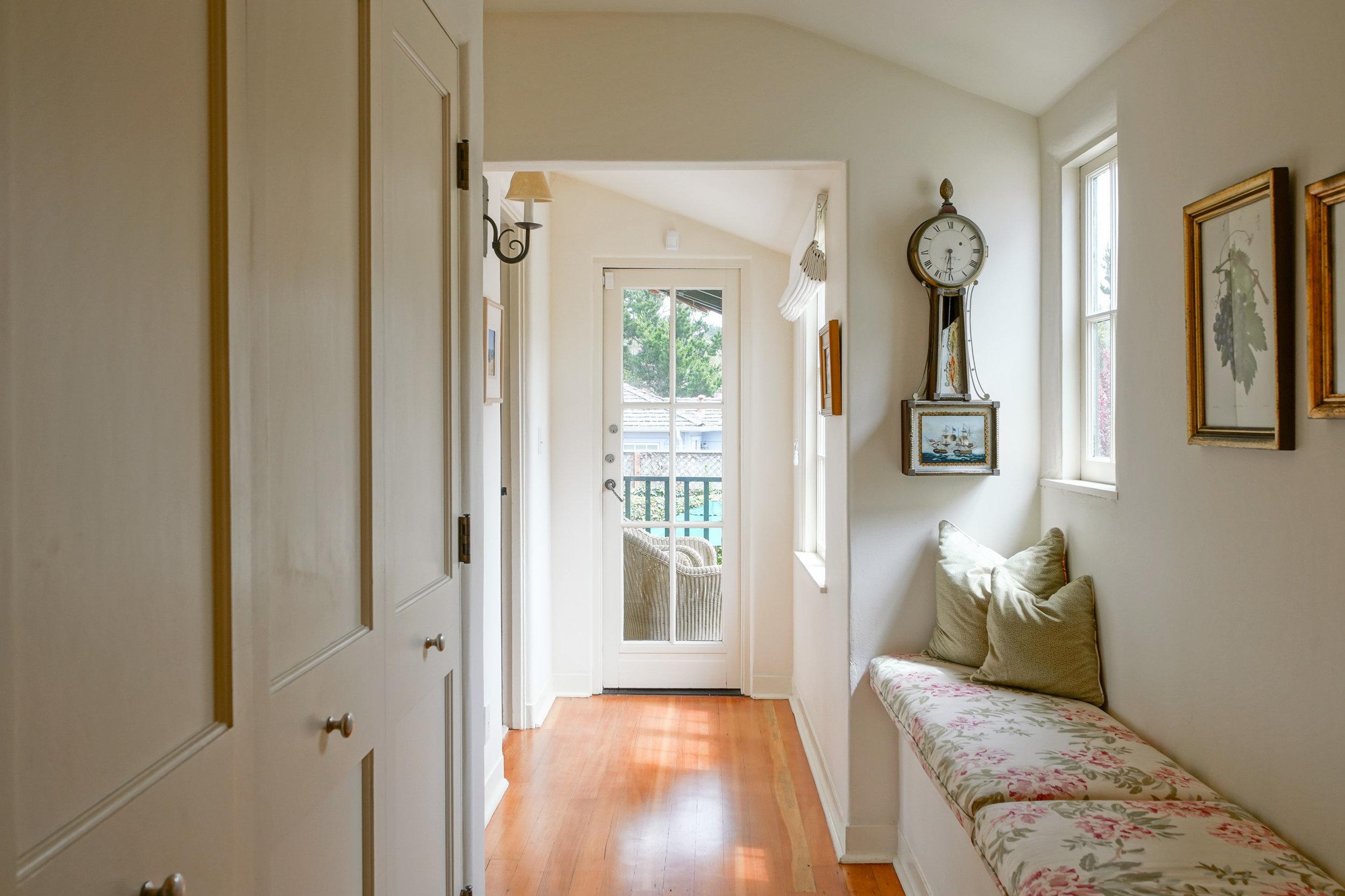 23.hallway.jpg