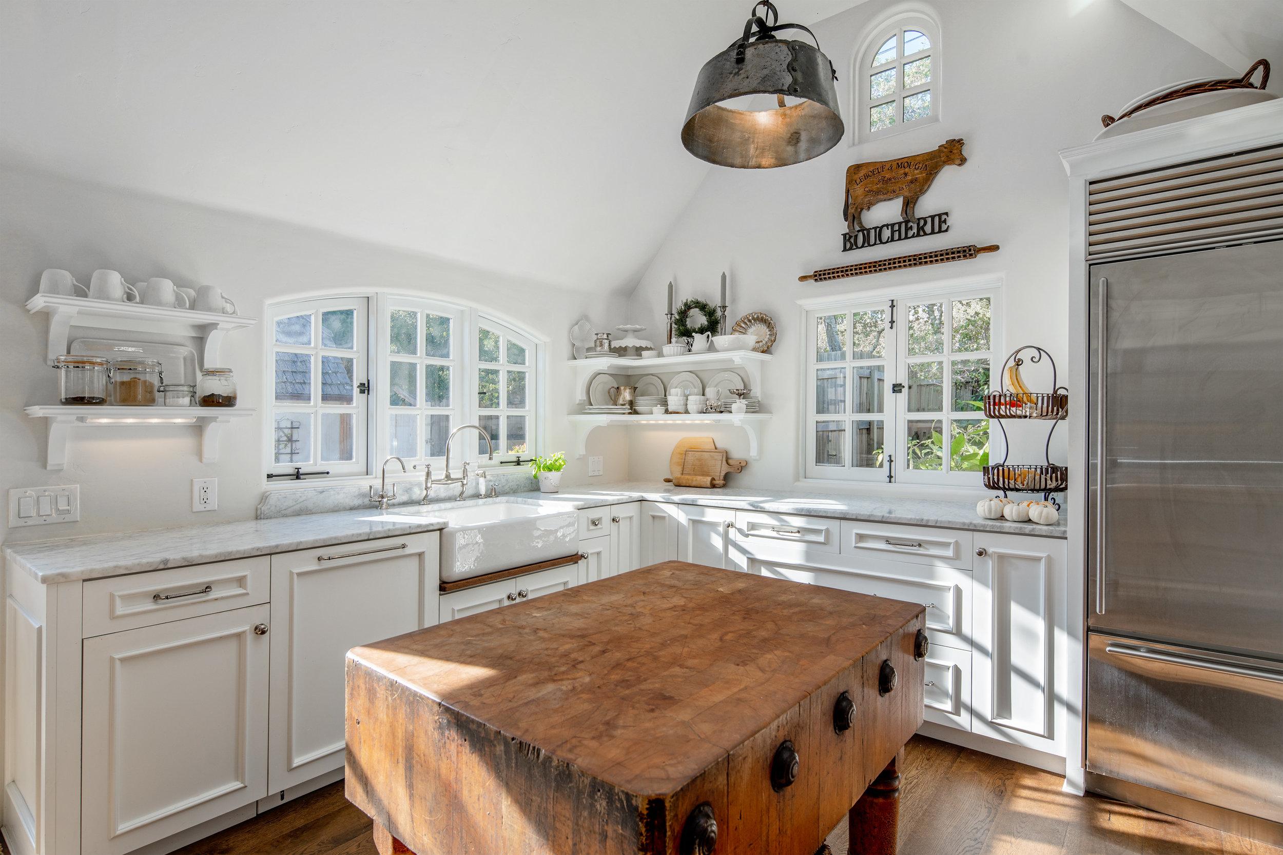 12. kitchen 4.jpg
