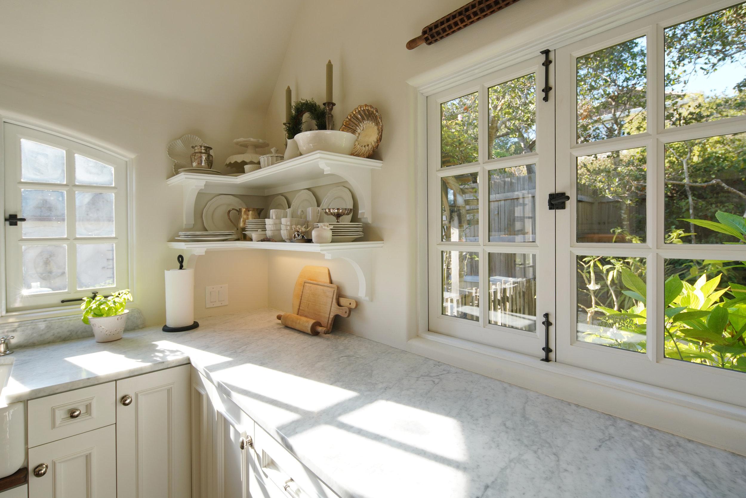 15 kitchen 4.jpg