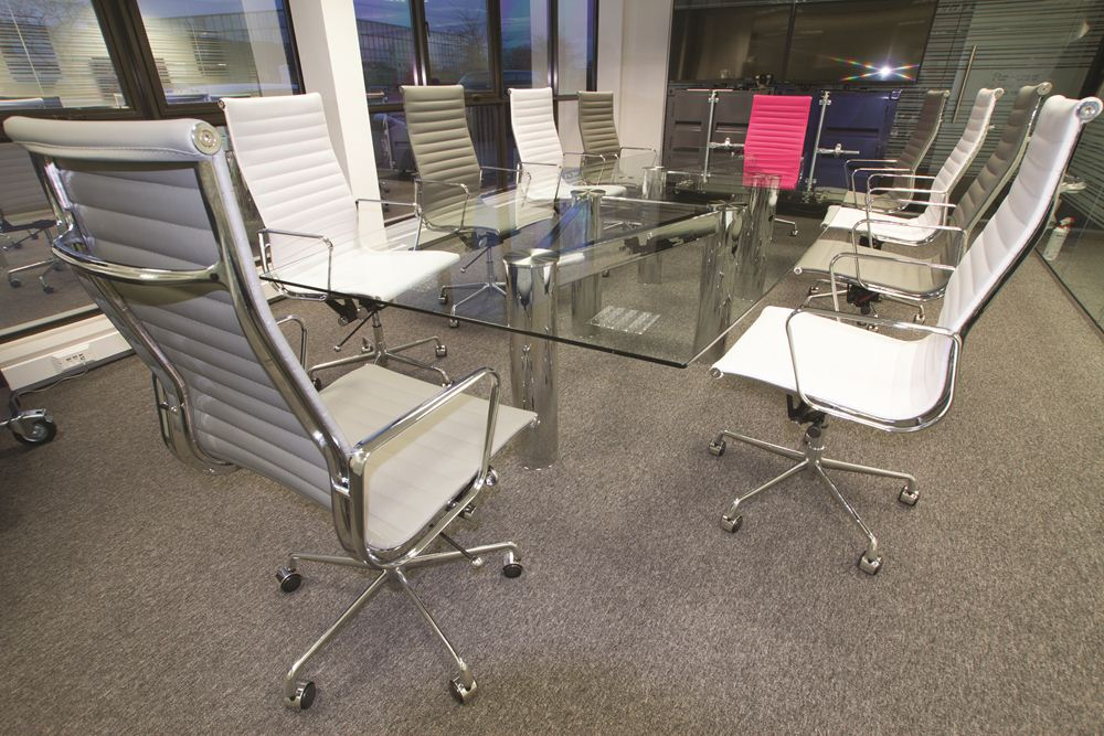 10_seater_chrome_glass_boardroom_table.jpg