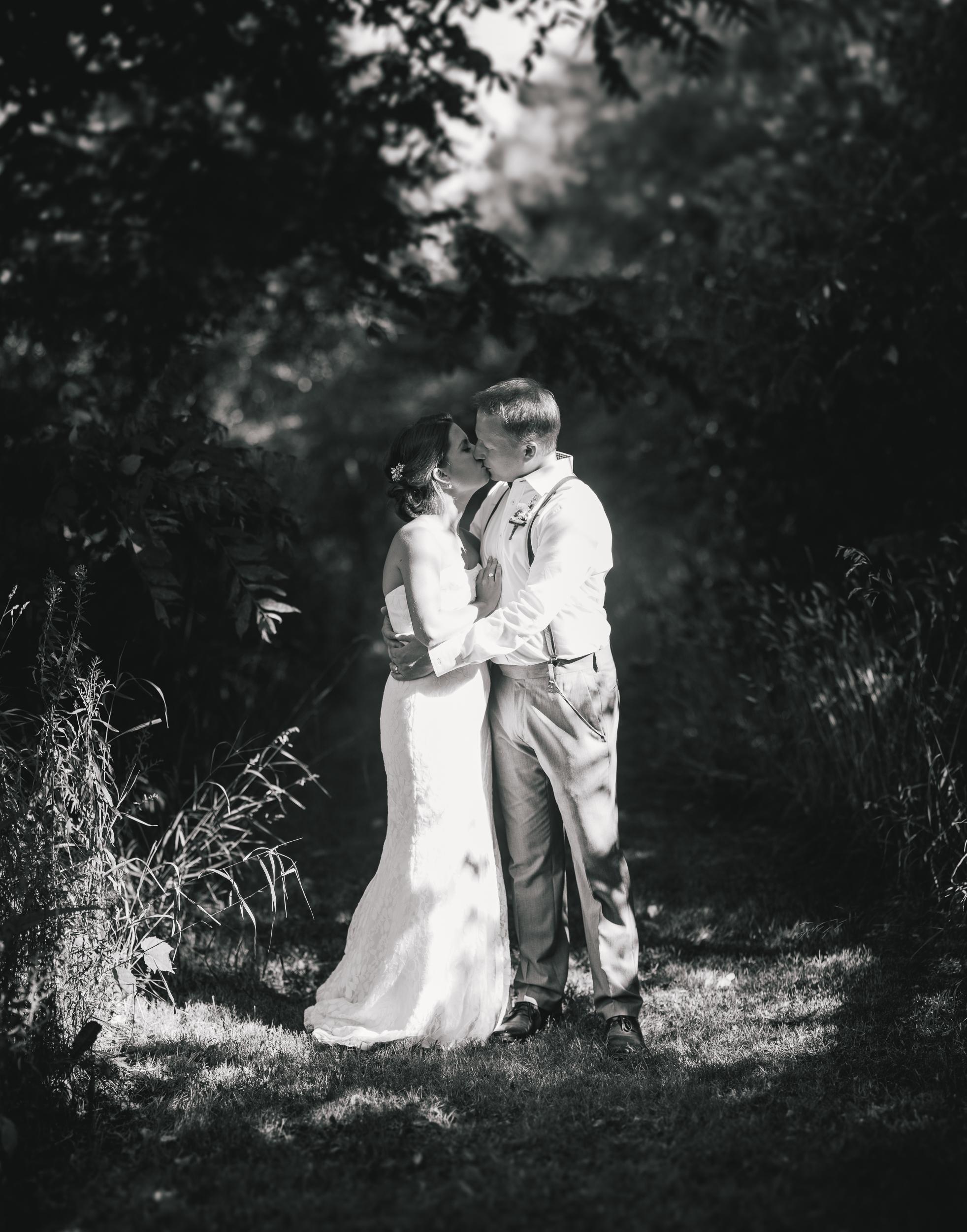 GROOM + BRIDE PORTRAITS-012.jpg