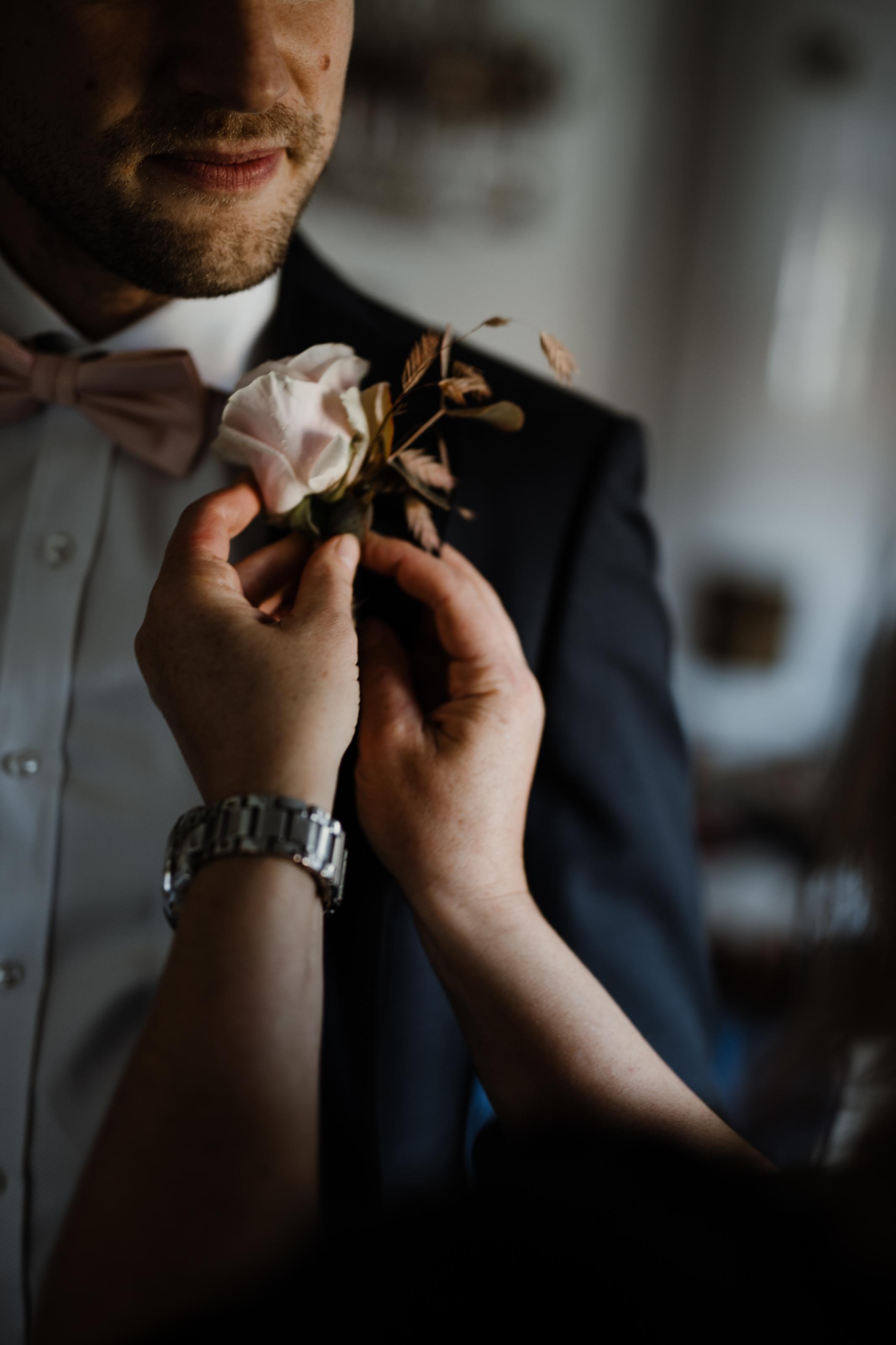Bröllopsfotograf-Uddetorp Säteri-Höstbröllop-Fotograf Emilia- Bröllopsfotograf Borås-11.jpg