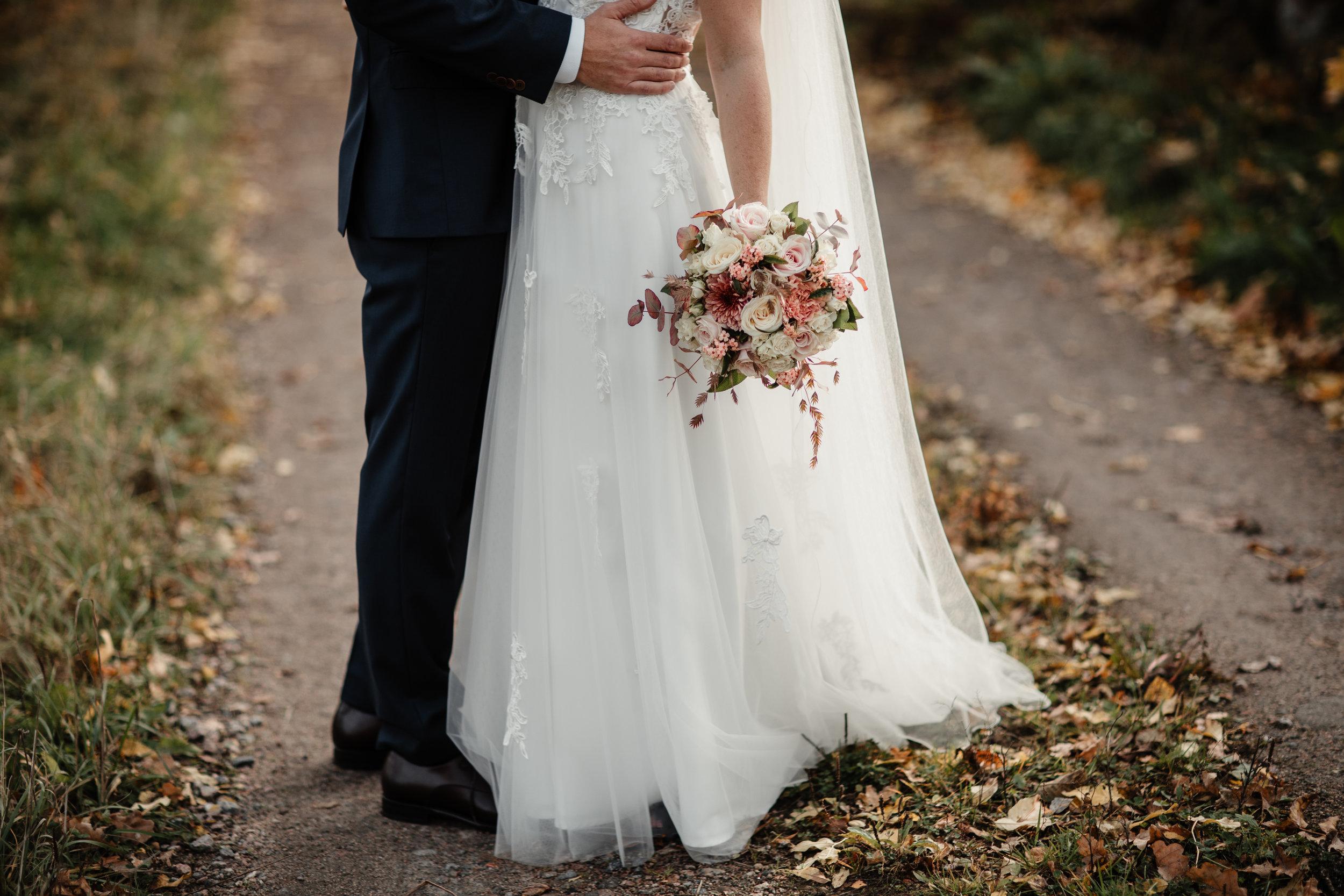 Bröllopsfotograf-Uddetorp Säteri-Höstbröllop-Fotograf Emilia- Bröllopsfotograf Borås-20.jpg
