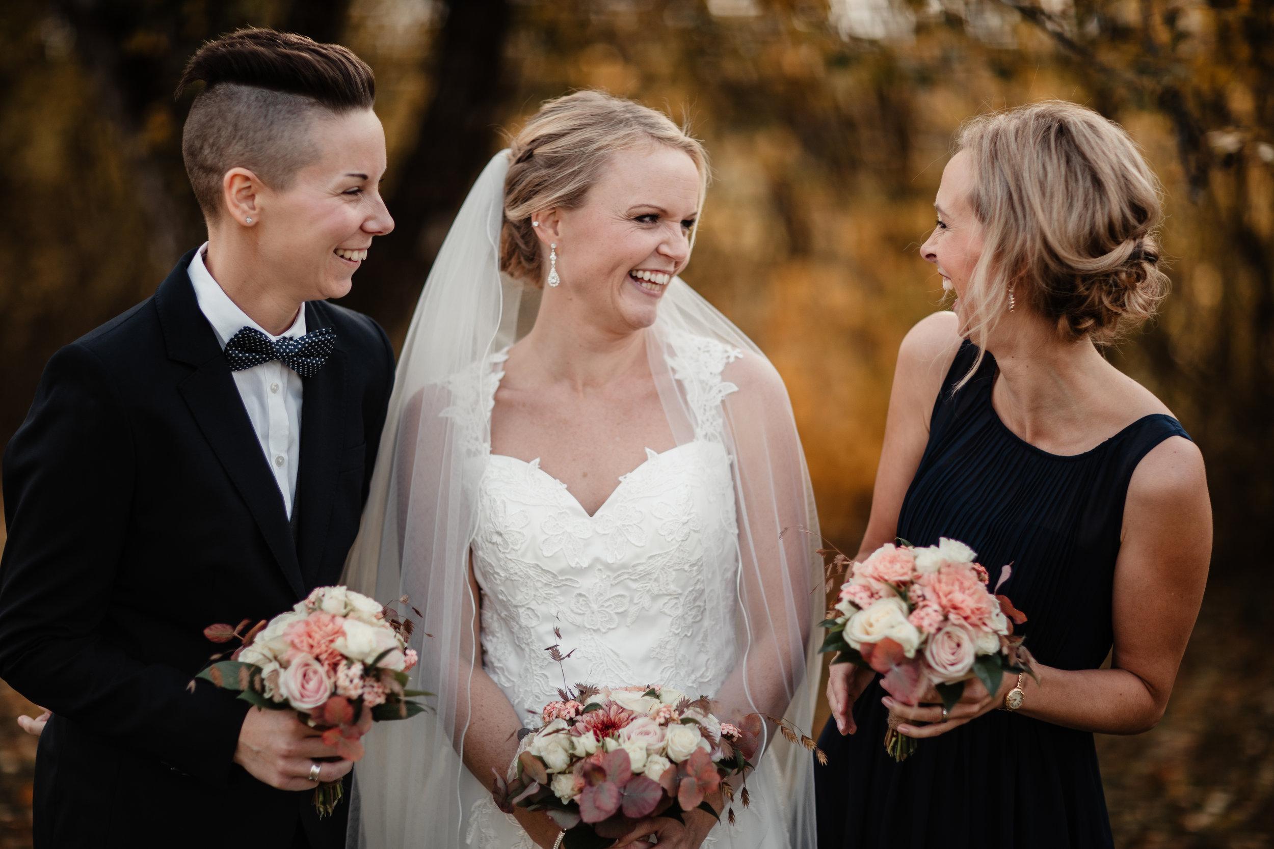 Bröllopsfotograf-Uddetorp Säteri-Höstbröllop-Fotograf Emilia- Bröllopsfotograf Borås-25.jpg