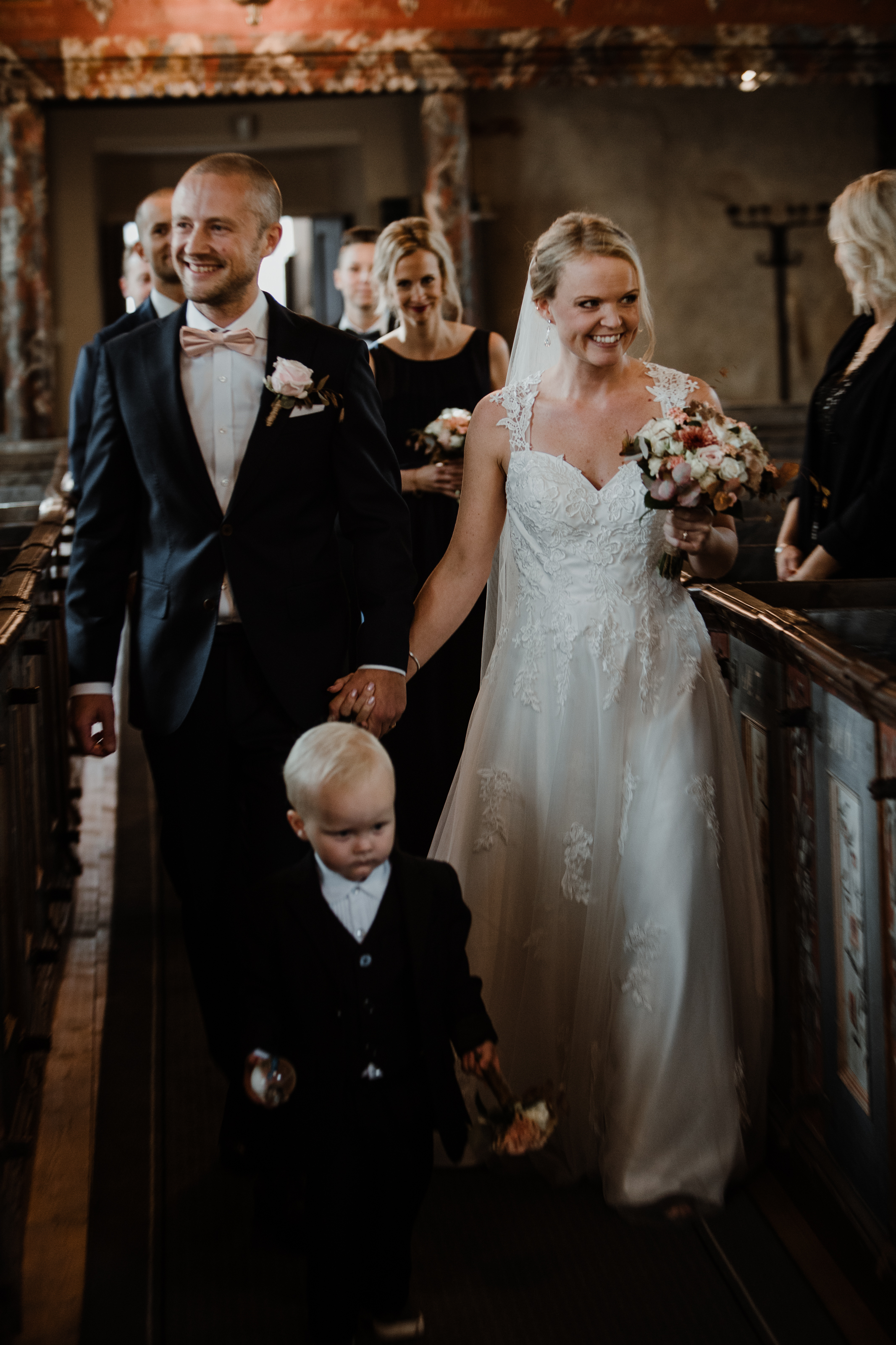 Bröllopsfotograf-Uddetorp Säteri-Höstbröllop-Fotograf Emilia- Bröllopsfotograf Borås-36.jpg