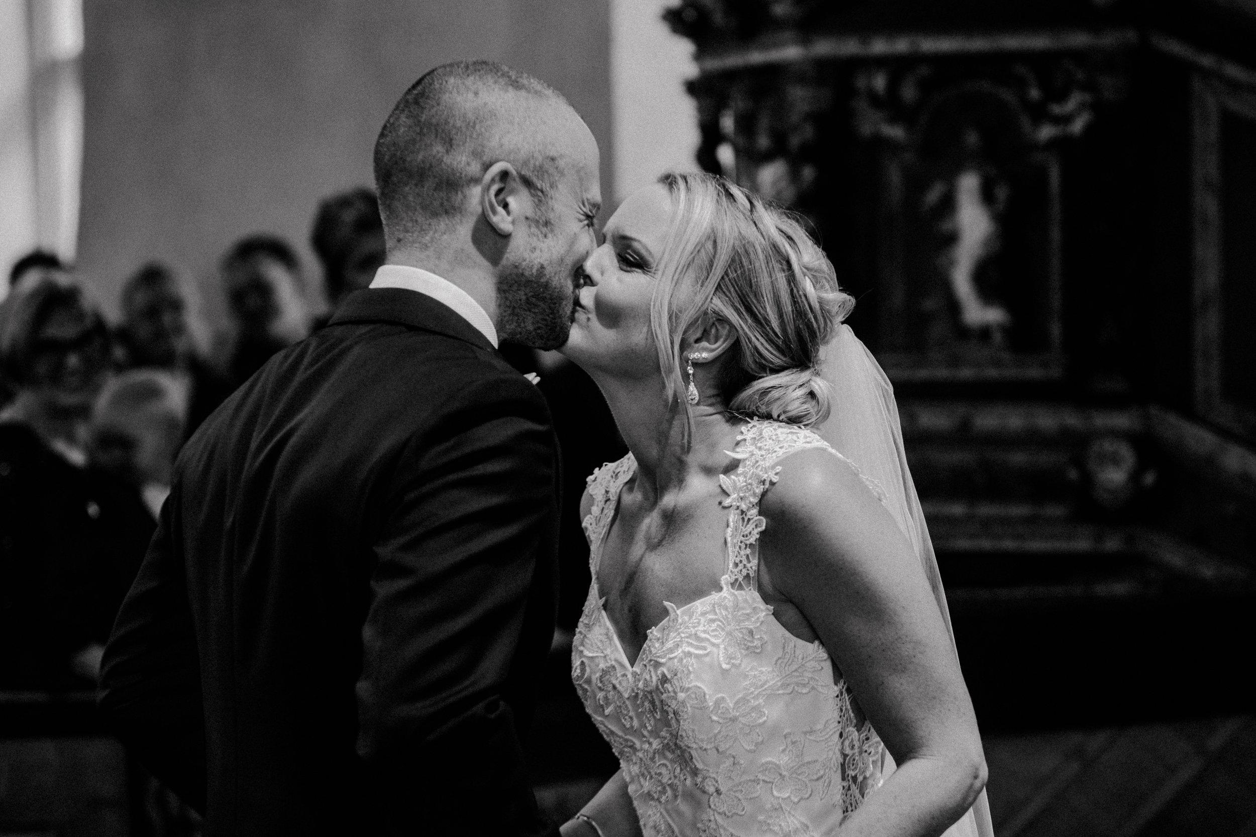 Bröllopsfotograf-Uddetorp Säteri-Höstbröllop-Fotograf Emilia- Bröllopsfotograf Borås-37.jpg