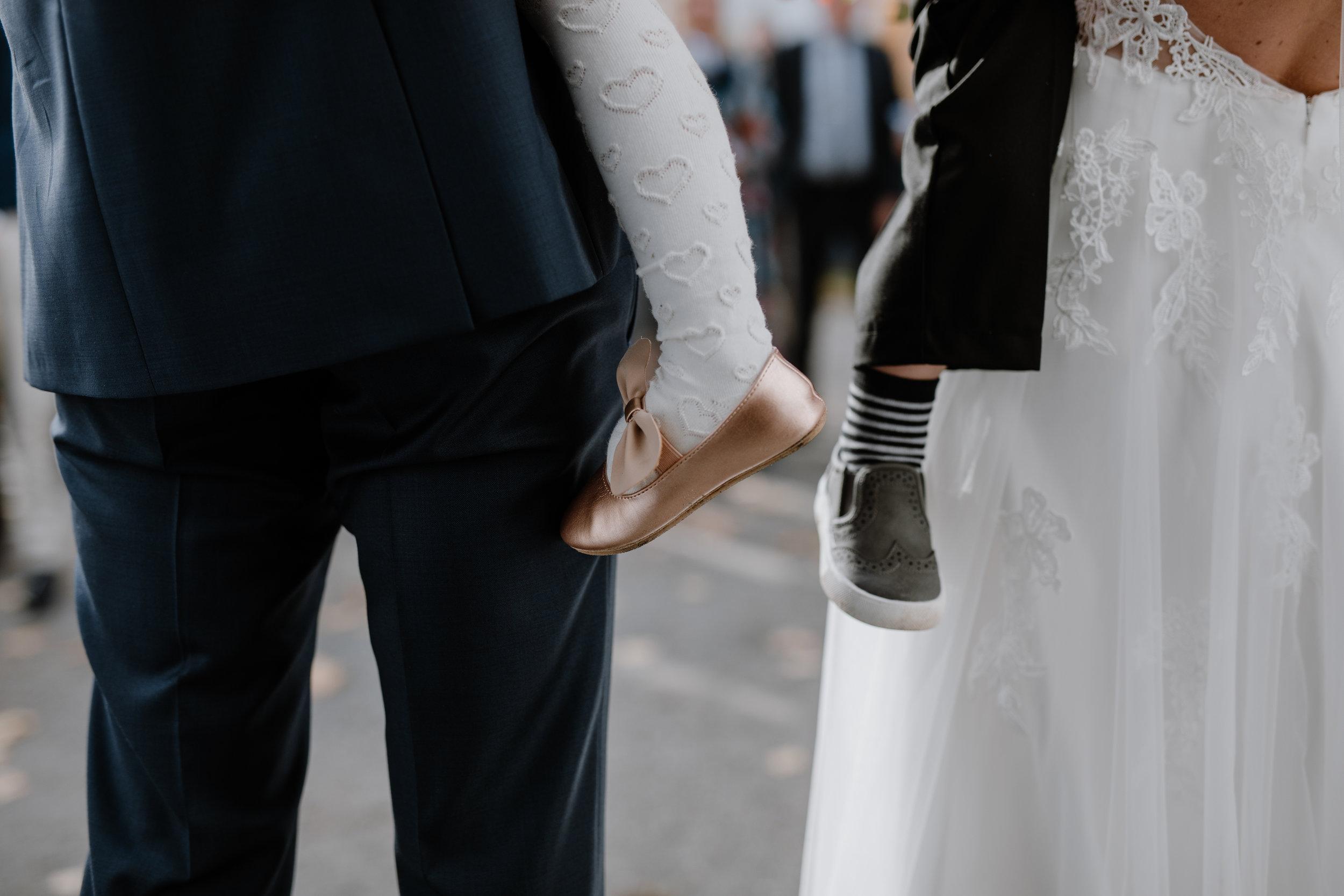 Bröllopsfotograf-Uddetorp Säteri-Höstbröllop-Fotograf Emilia- Bröllopsfotograf Borås-43.jpg