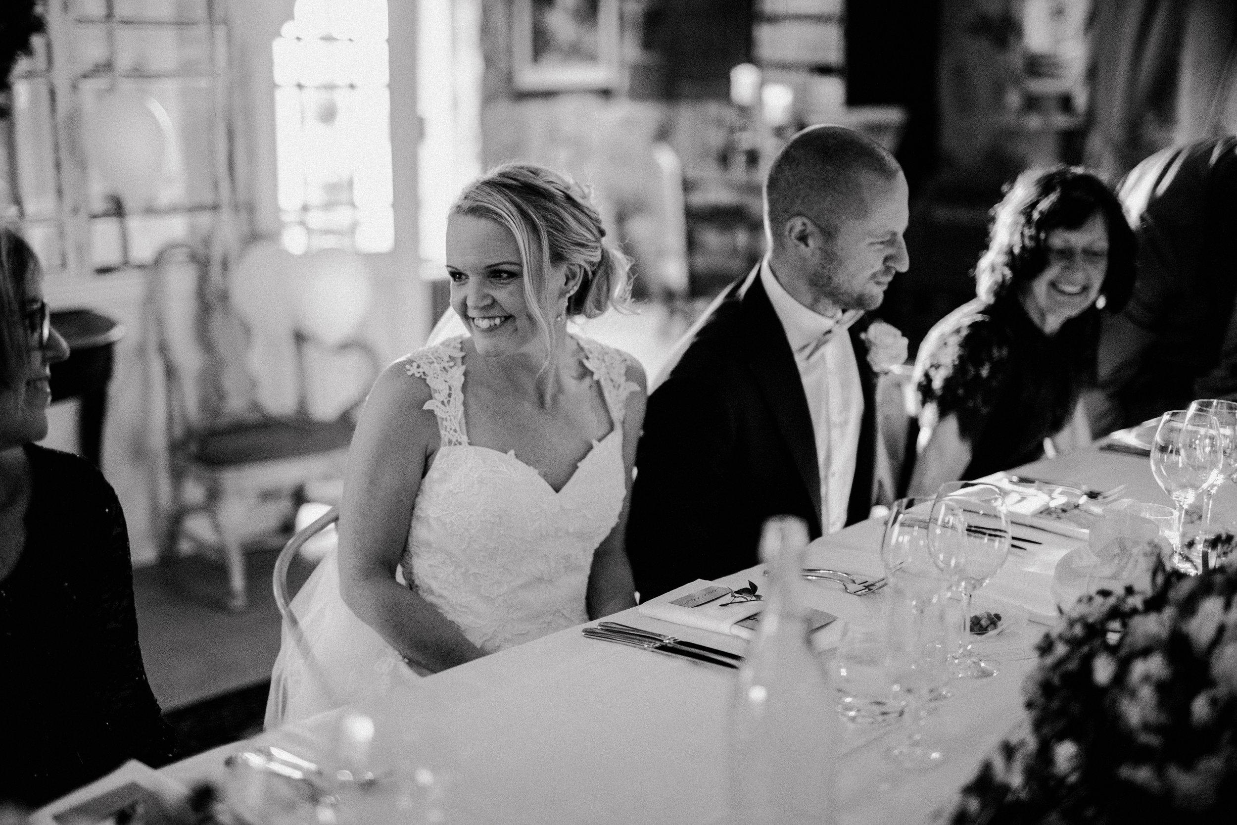 Bröllopsfotograf-Uddetorp Säteri-Höstbröllop-Fotograf Emilia- Bröllopsfotograf Borås-53.jpg