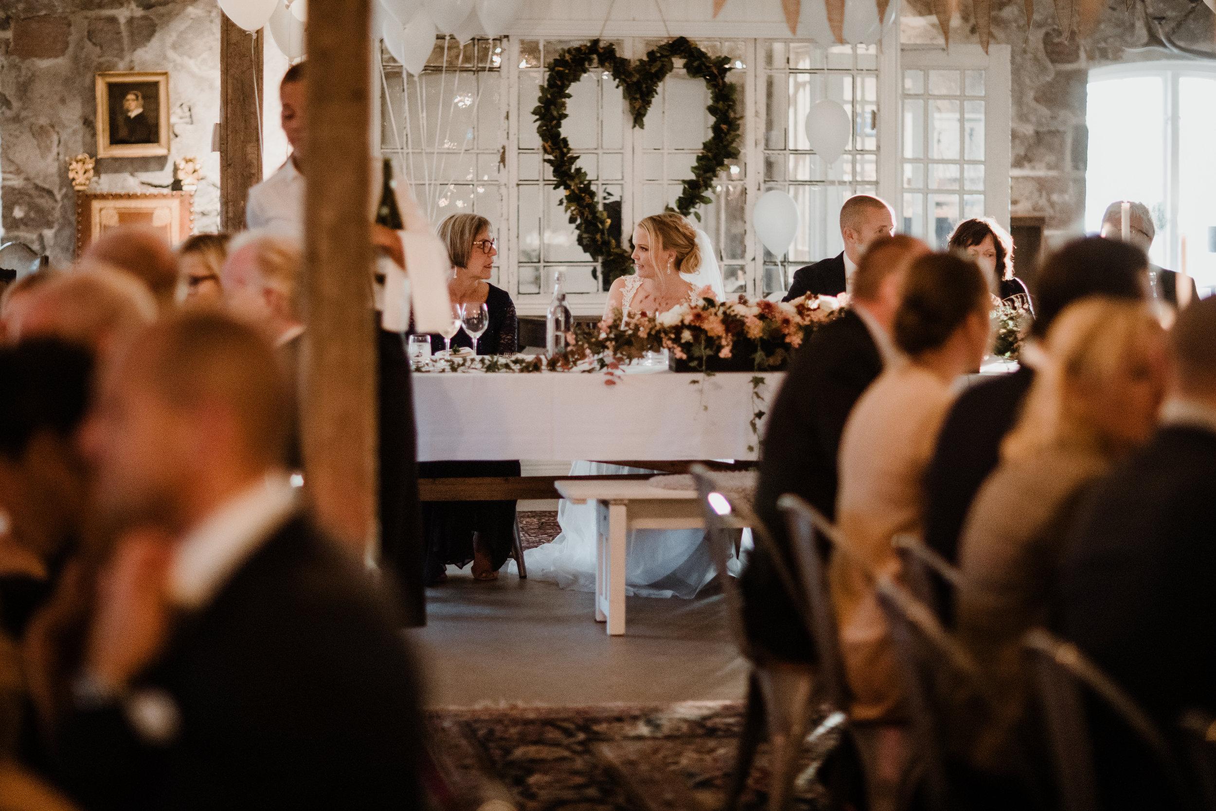 Bröllopsfotograf-Uddetorp Säteri-Höstbröllop-Fotograf Emilia- Bröllopsfotograf Borås-54.jpg