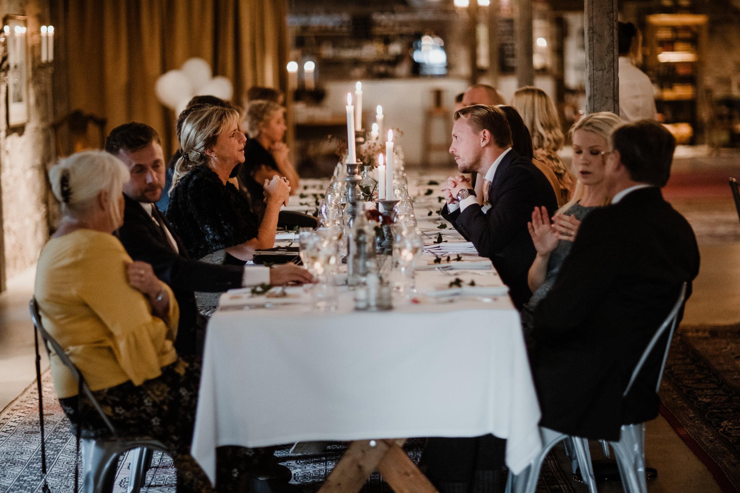 Bröllopsfotograf-Uddetorp Säteri-Höstbröllop-Fotograf Emilia- Bröllopsfotograf Borås-55.jpg