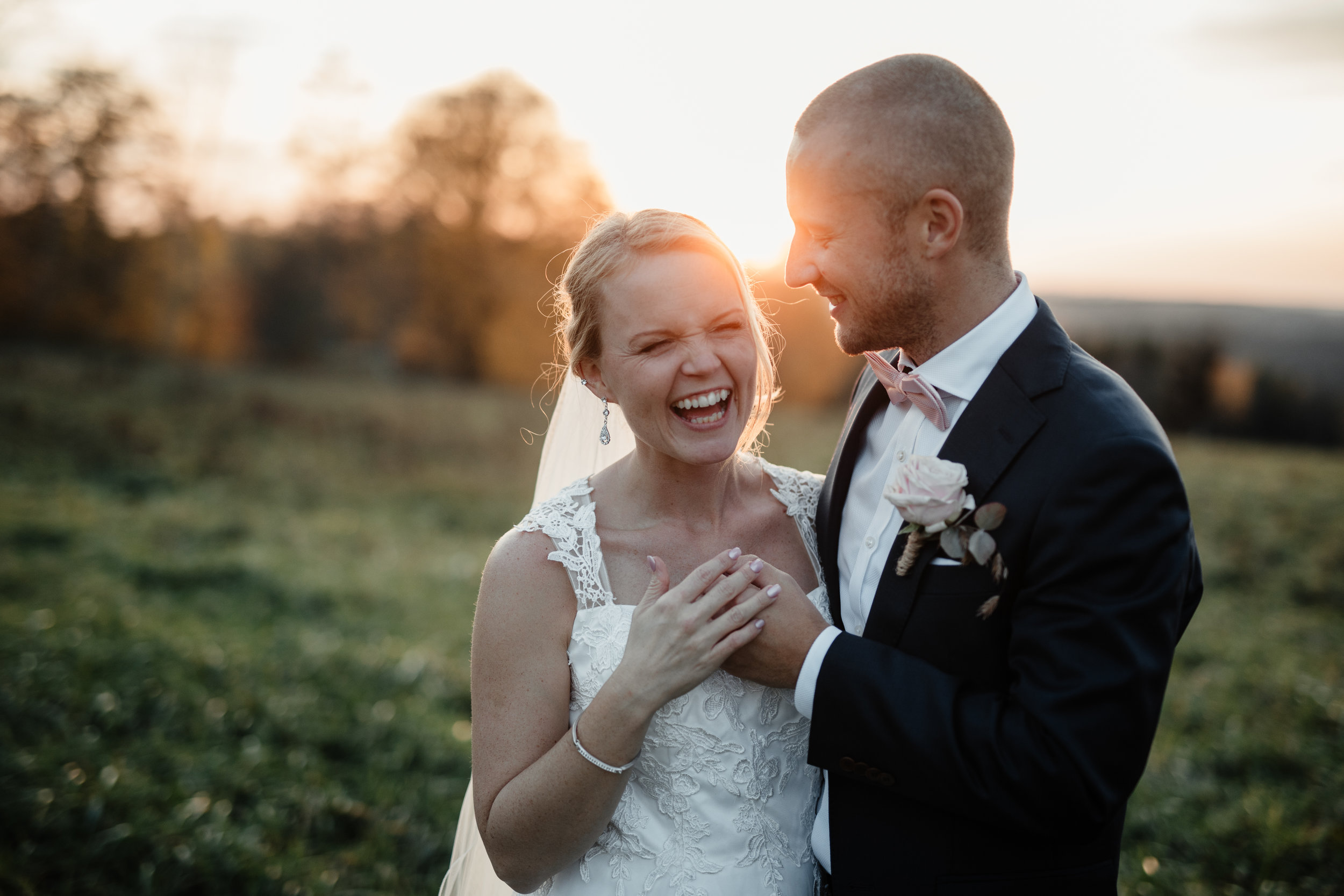 Bröllopsfotograf-Uddetorp Säteri-Höstbröllop-Fotograf Emilia- Bröllopsfotograf Borås-61.jpg
