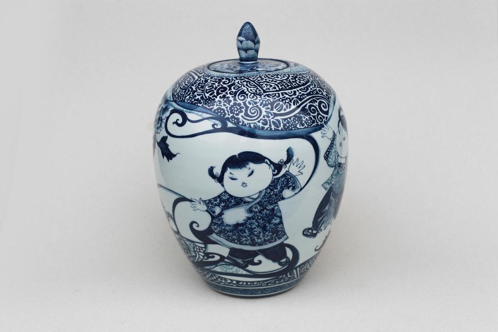 童戲冬瓜罐   尺寸(長x 寬x 高):15.0 x 15.0 x 22.0 cm