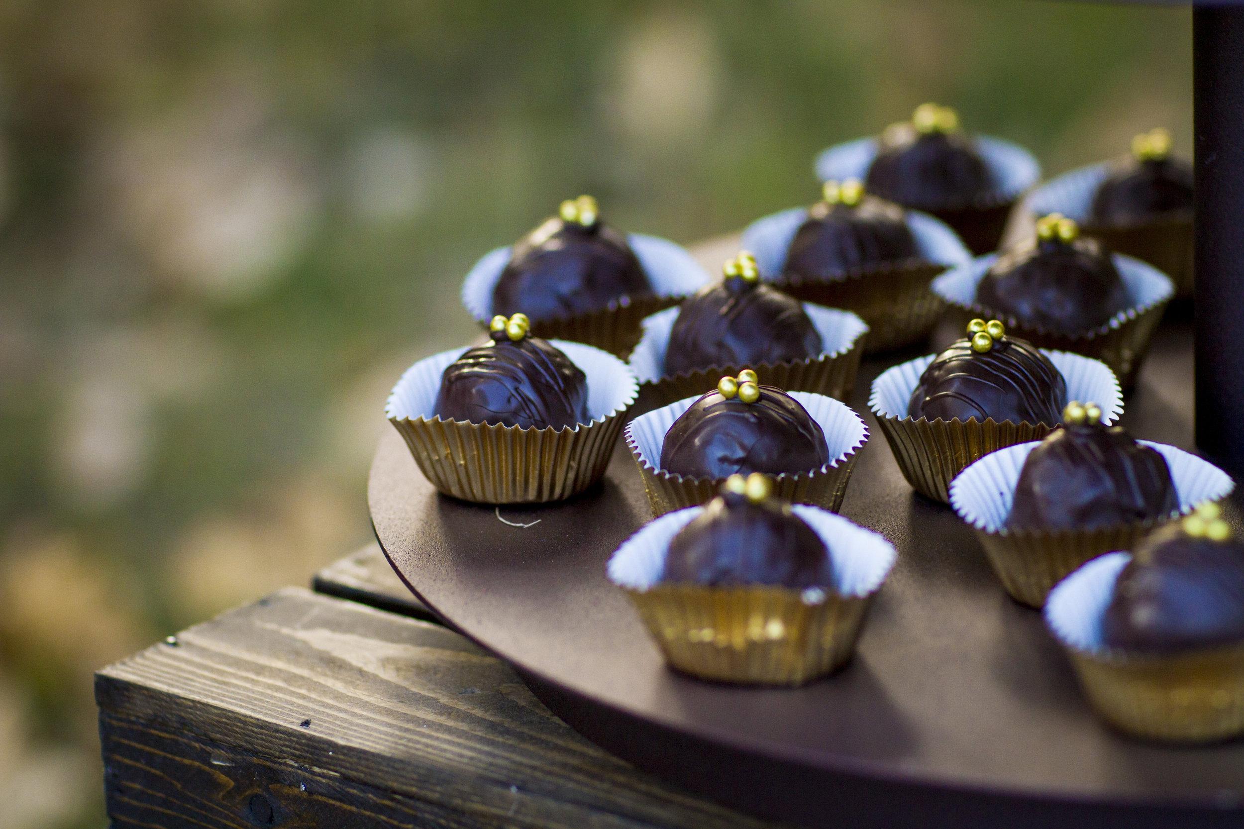 Autumn Wedding Cake Truffles