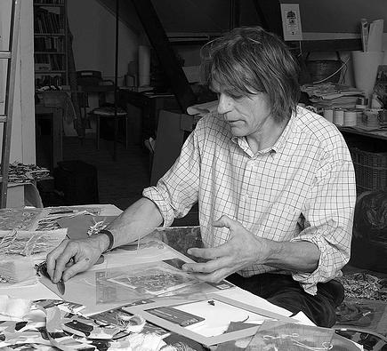 John Hinchcliffe working in his Dewlish studio, Dorset 2005 (photo David Woodward)