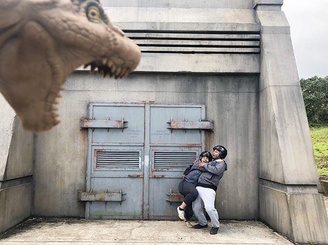 When @i.ammaj and I were on the set of Jurassic Park. 🦖🦕🙈 @kualoaranch #hawaii #kualoaranch