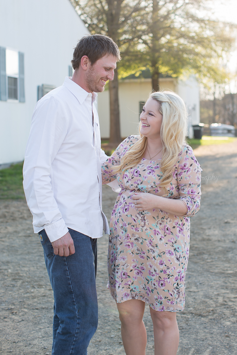Outdoor Farm Maternity-Nokesville