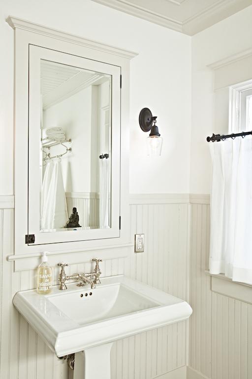 bathrooms 063.jpg