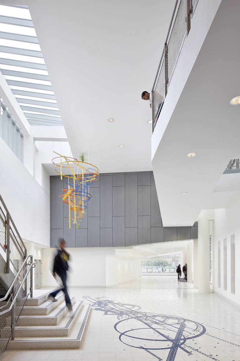 Mott Haven_21200_Int Auditorium Lobby 2_PPT.jpg