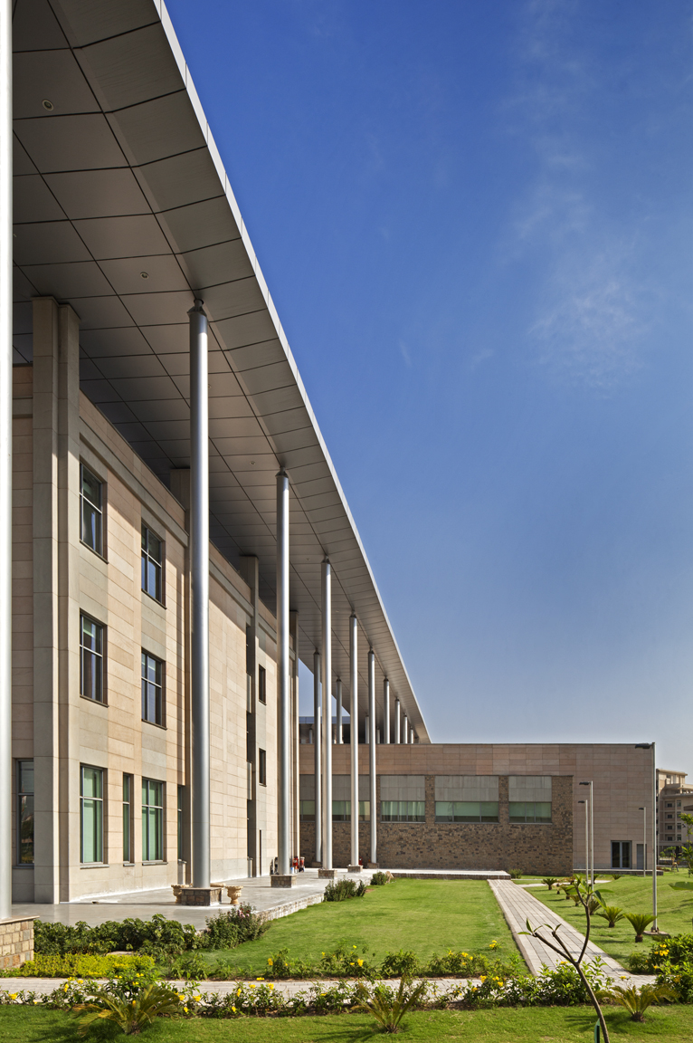 ISB+-+New+Mohali_34200.00.0_Ext+Building+Detail_PPT+-+Copy.jpg