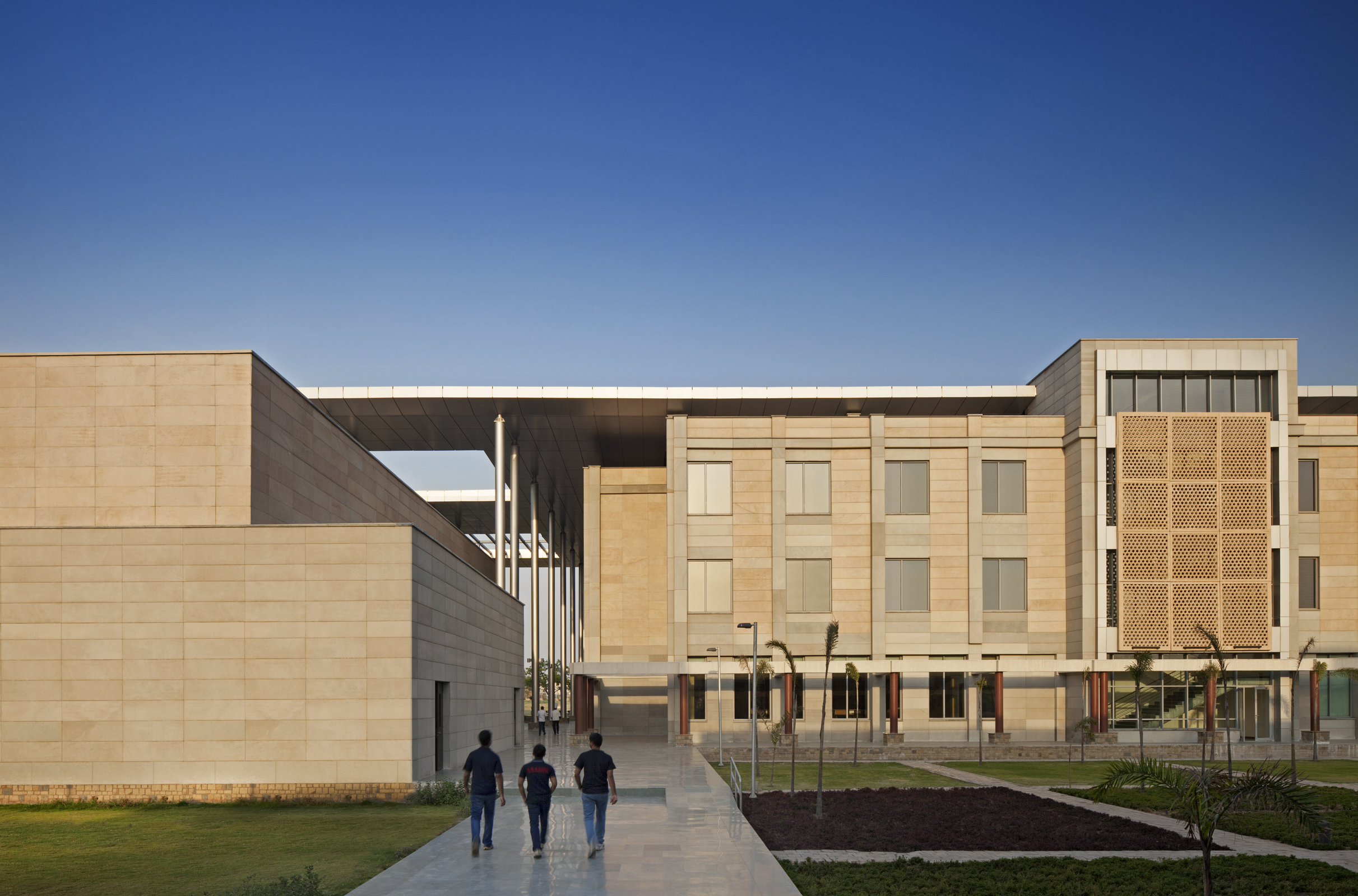 ISB+-+New+Mohali_34200.00.0_Ext+Academic+Classrooms+and+Auditorium_MR.jpg