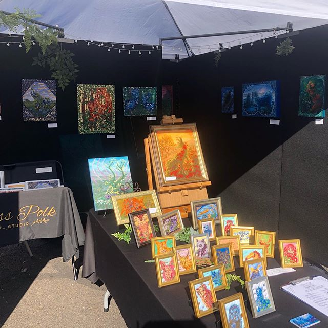 Day 2 at New Hope Arts and Crafts Festival! I'm running a raffle for those who sign up for my mailing list, for a chance at winning a free print!  Come say hi!  #newhopepa #newhopeartsandcraftsfestival #buckscounty #artistsoninstagram #artoftheday #fall #autumn #sunday #painting #acrylic #september #2019 #nature #leaves #flowers