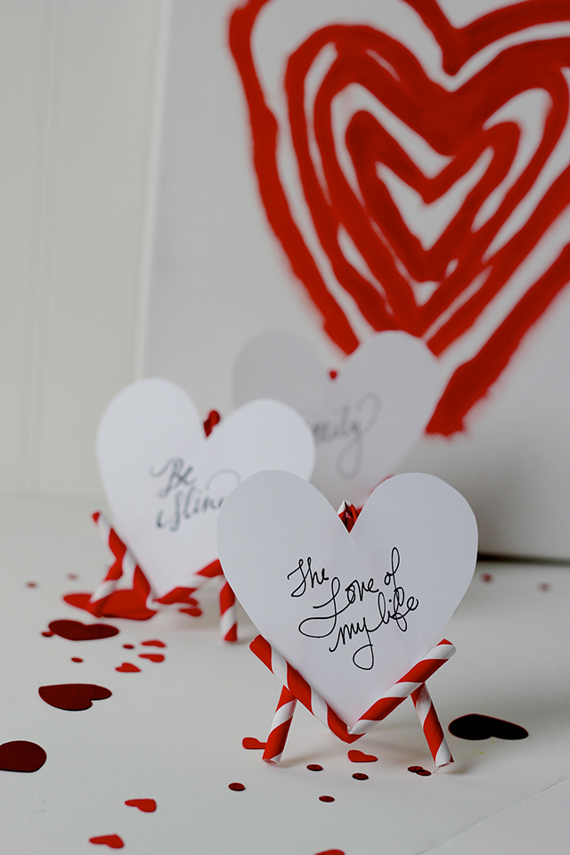 Paper straws as easels! The perfect place for your favorite sweet message and a great place card for your Valentine celebration.