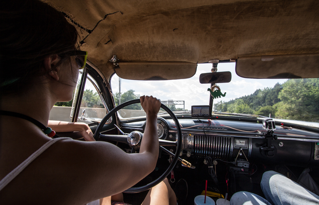 Our 1950 Chevrolet may have a top speed of 100 km/h, but it is also very comfortable on a long drive. Jim Leggett, Driving