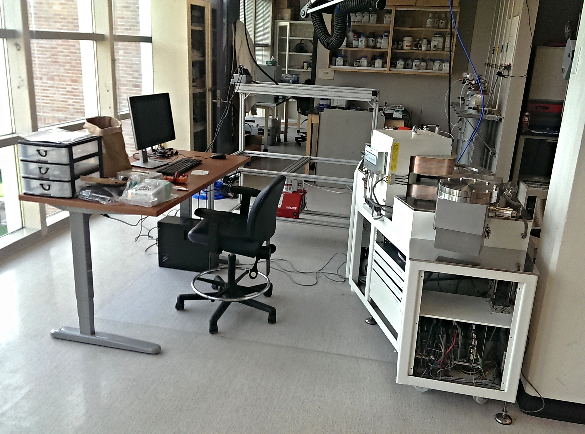 The autoline cart in position just after the mass spec was installed (July 2).