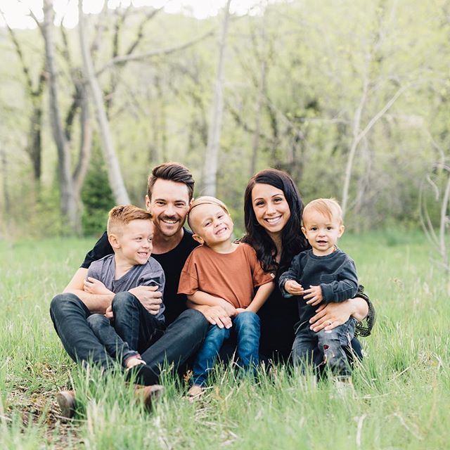 Yesterday I had the pleasure of photographing some of our sweetest friends! We don't get to see them often so when they come into town it sure is a treat! And their boys are just the sweetest and they have #4 on the way! They are definitely one of our favorite couples/family! Check out my stories for more photos!